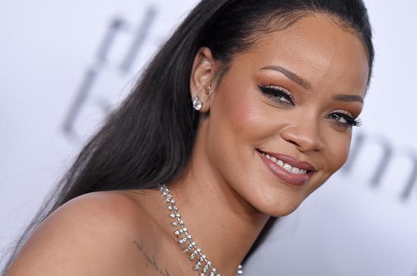 People | Rihanna offre jusqu'à 50 000 dollars de bourse à des étudiants défavorisés