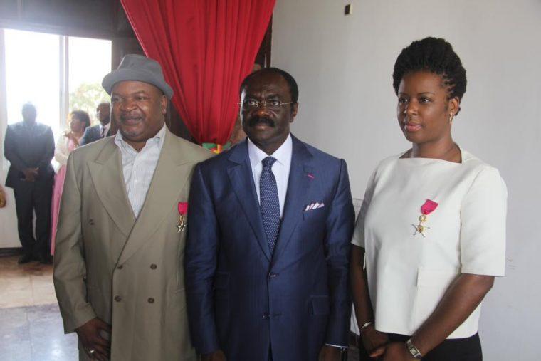 Décoration au ministère des arts et de la culture du Cameroun